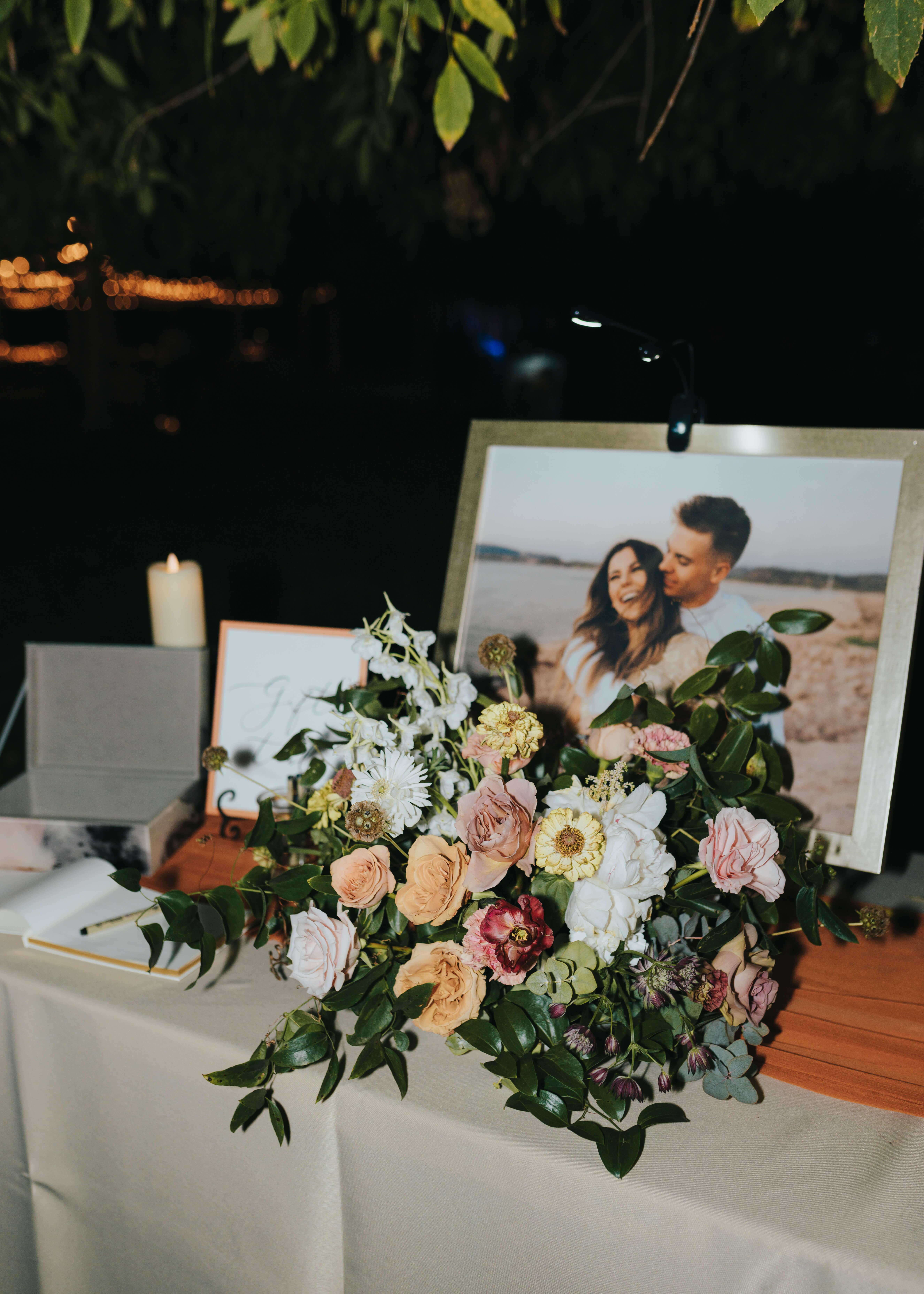 welcome wedding table idea photo